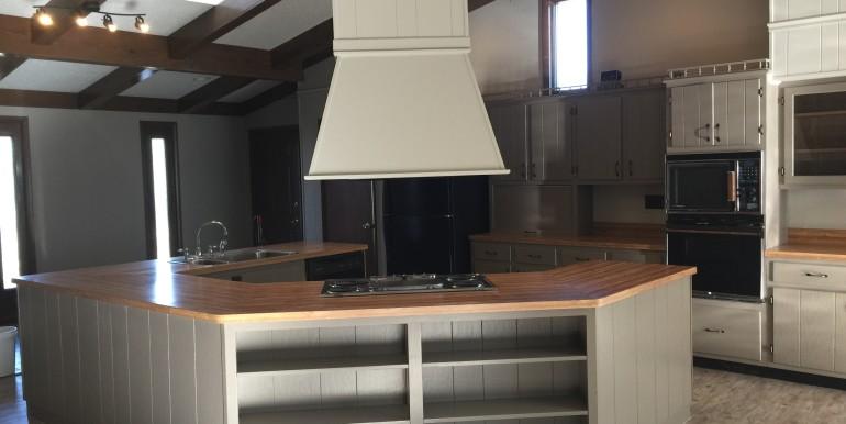 375 Front St Kitchen