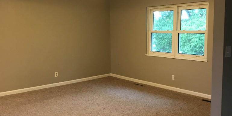 856 E Hwy 47 Living Room