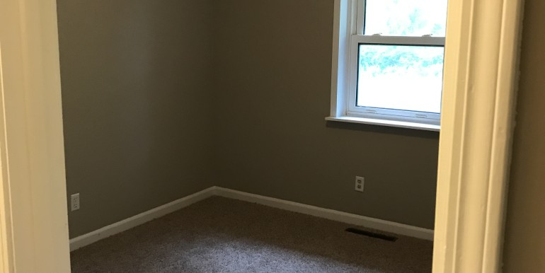 856 E Hwy 47 Bedroom