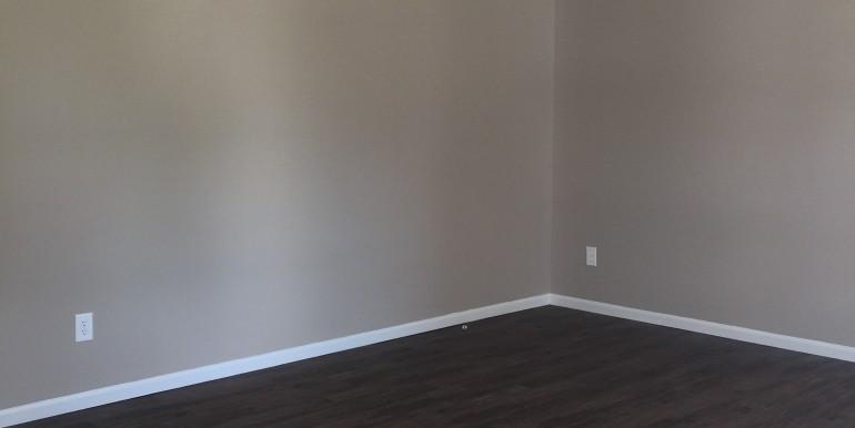 106 Hickory Dr Living Room