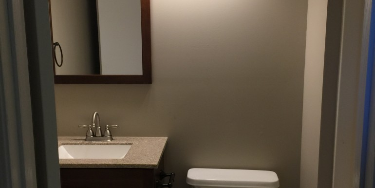 106 Hickory Master Bathroom