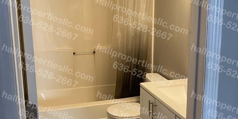 450 Harris Bathroom WM